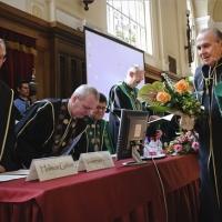 Schally professzor urat díszdoktorrá avatták Debrecenben is