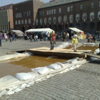 Harangzúgás a Dóm téren: a Nagyárvízre emlékeztek