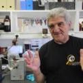 Az Alzheimer-kór kutatója nyakkendő nélkül a Móra-múzeumban
