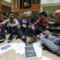 Felfüggesztették a demonstrációt a kormányhivatal épületében