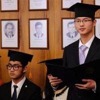 Kínai hallgatók kaptak jogi oklevelet Szegeden