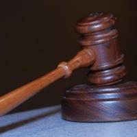 Megkezdődött a korrupcióval gyanúsított szegedi bírák pere Debrecenben