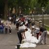 Több mint száz tűzoltó indult Csongrád megyéből Komárom-Esztergom megyébe