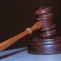 Öt és fél évre ítélték a szegedi sebészt bántalmazó portást