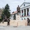 Felavatták Návay Lajos vértanúhalált halt politikus, a képviselőház egykori elnökének szobrát a Csongrád megyei Makón